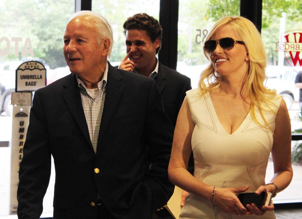 Does Edwin Edwards have a legitimate shot at being elected to Congress?