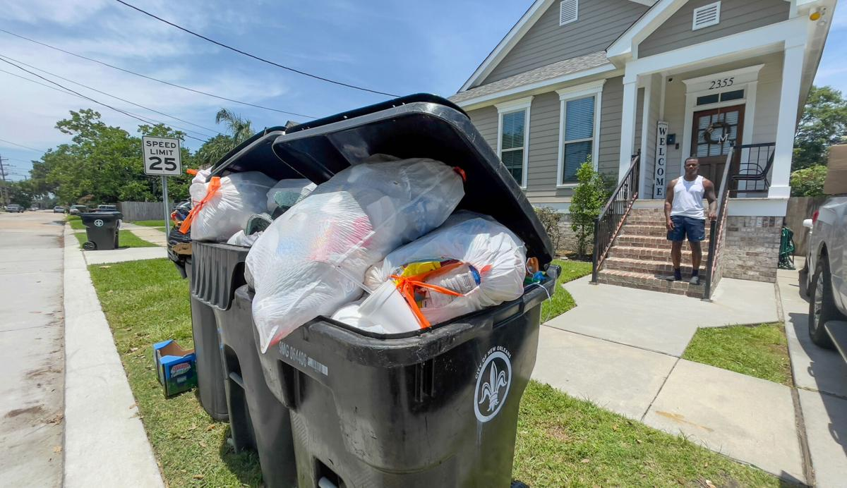New Orleans garbage piles up