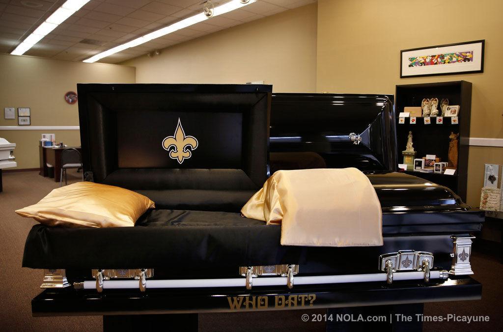 14 karat gold plated Fleur de lis Who Dat Nation Saints Black and Gold New Orleans Crescent Big Easy Pendant