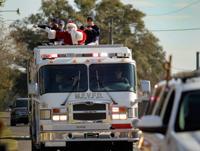 Marrero New Orleans Christmas Parade 2020 Santa rolls with Marrero Estelle Volunteer Fire Company | News