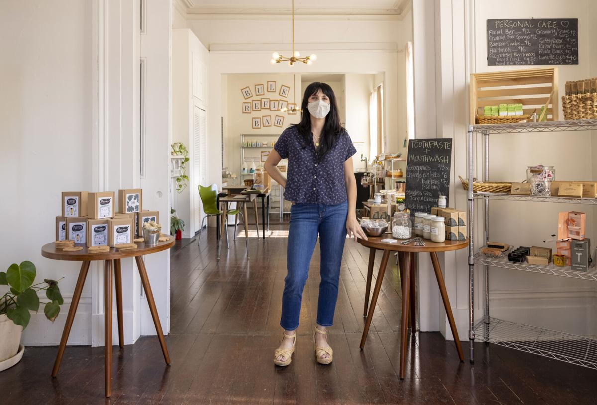 Sarah Andert at Vintage Green Review