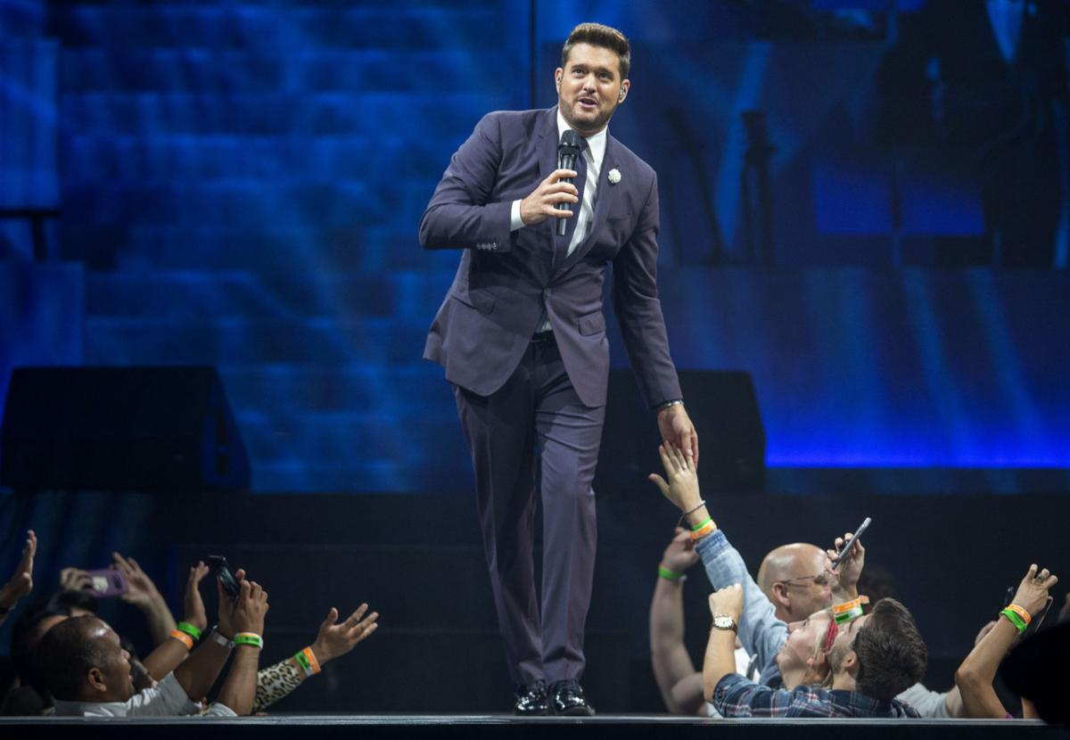 Michael Buble Christmas Special 2019.Review Michael Buble Was Alternately Mischievous Sincere