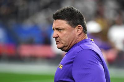 Should LSU's football coach have endorsed Louisiana's governor?
