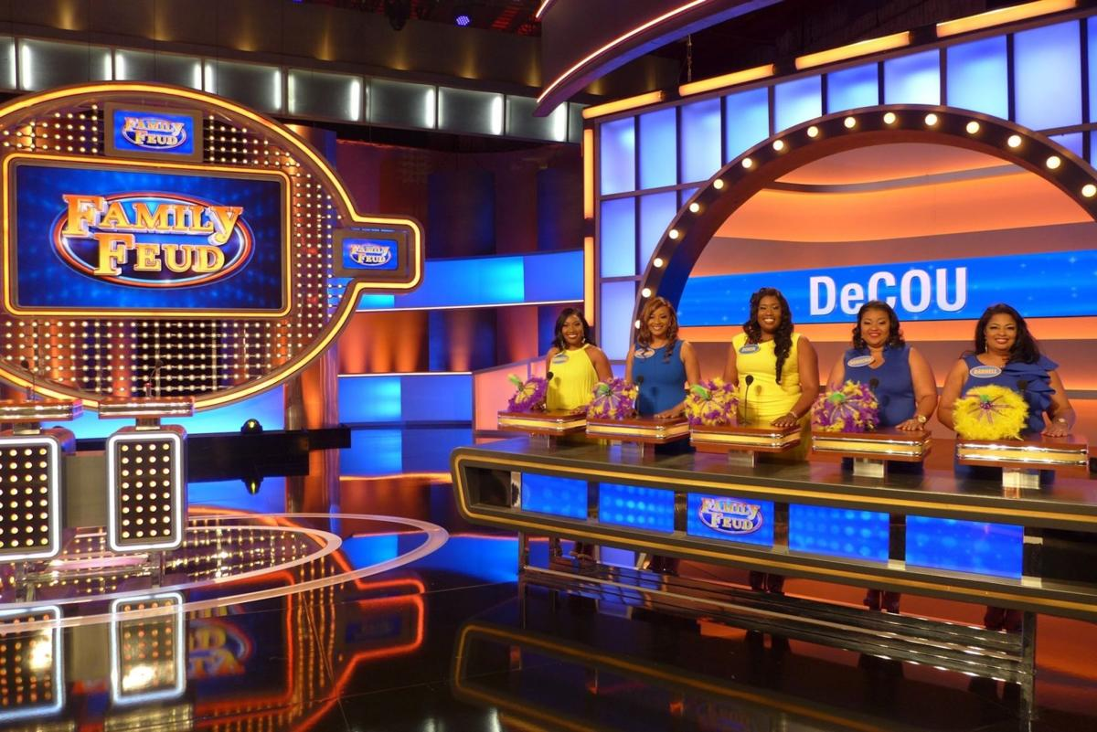 family_feud_decou_02.jpg