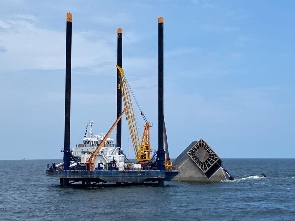 U.S. Coast Guard image of Seacor Power salvage, May 5, 2021