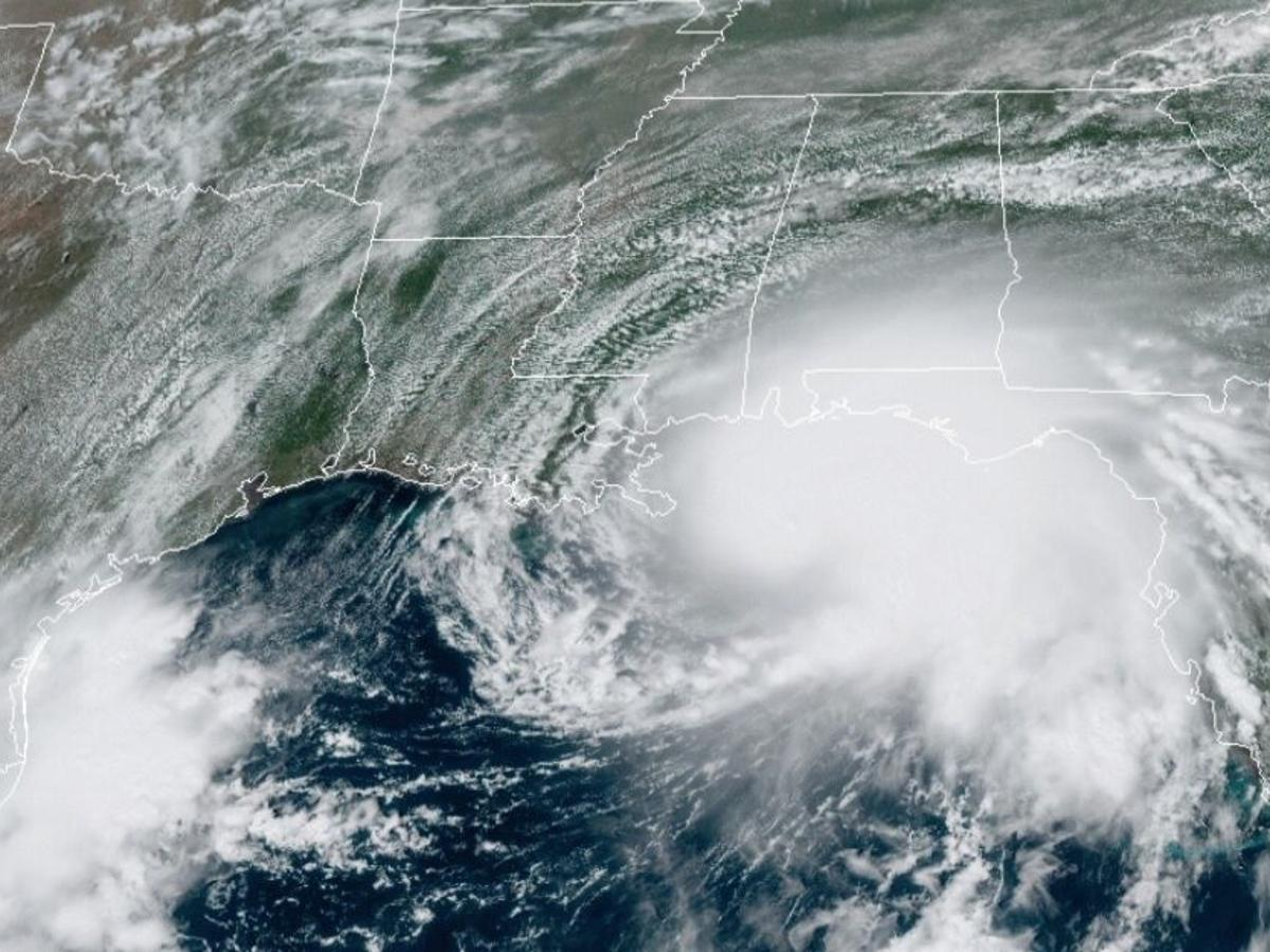 Hurricane Sally live cameras: Watch as ...