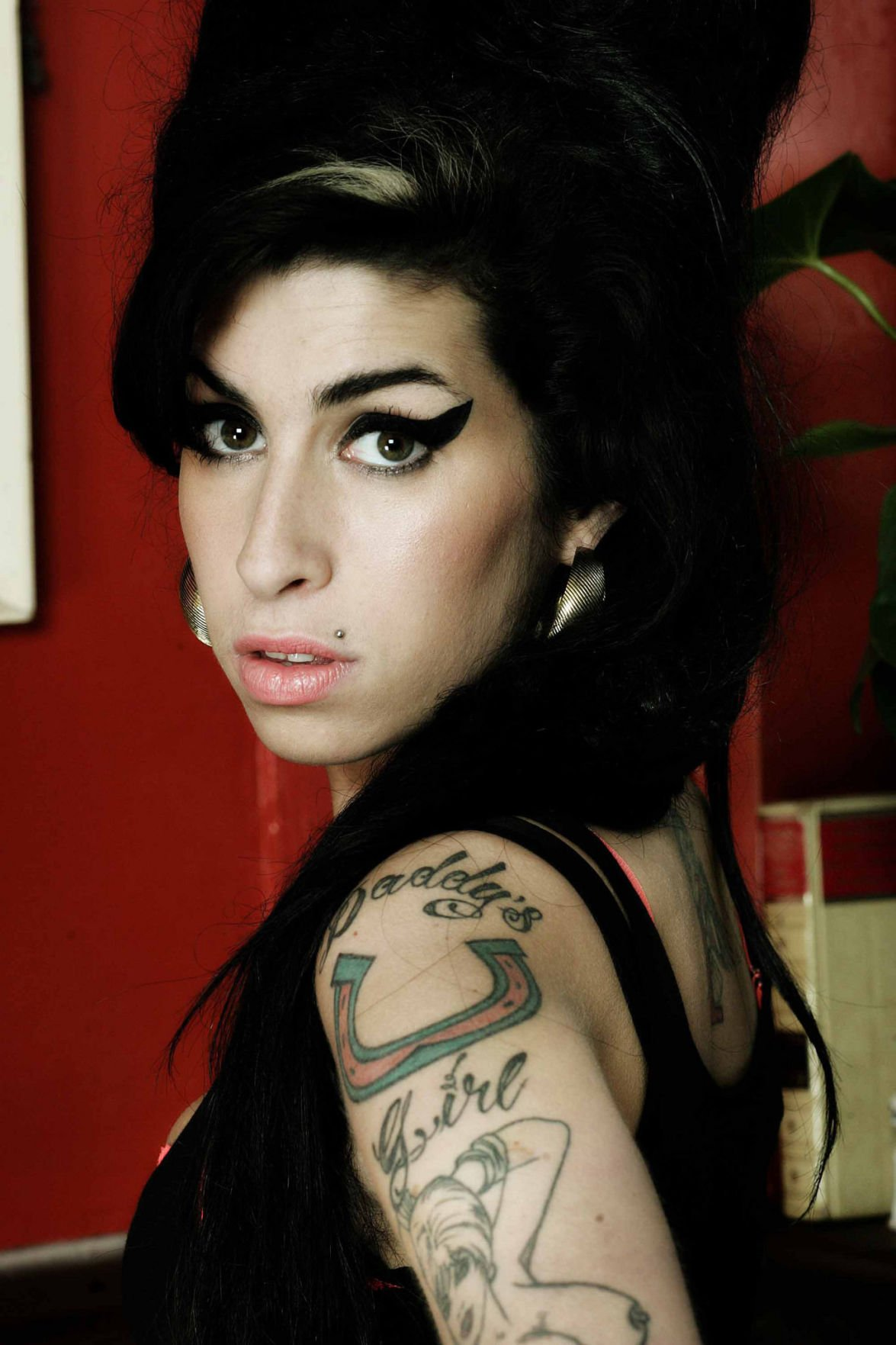 'Amy' movie review: Stirring Amy Winehouse documentary charts life, death of a musical supernova