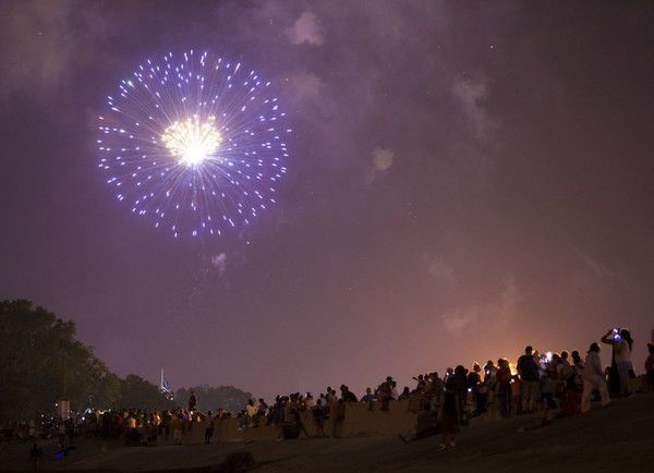Watch July 4th fireworks over New Orleans from the 'Dueling Barges'