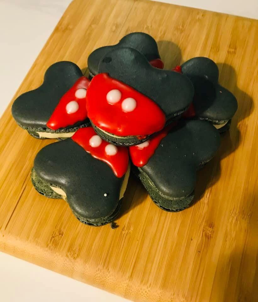 Mickey Macarons.jpg