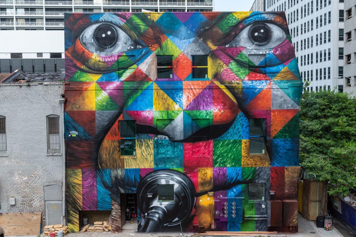 Street Artist Kobra Paints