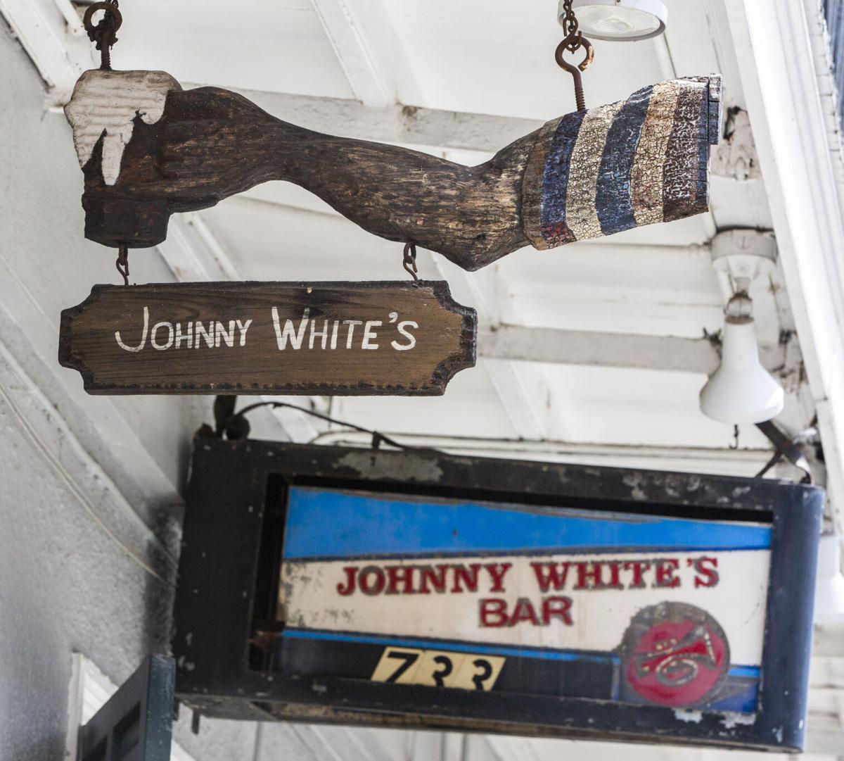 NO.johnnywhites.090520.003.jpg