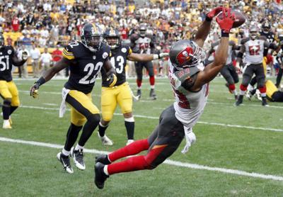 Quarterback Mike Glennon, Bucs rally late to stun Steelers 27-24 _lowres