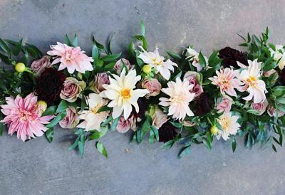 Set the Mood with Three Unique Wedding Flower Styles