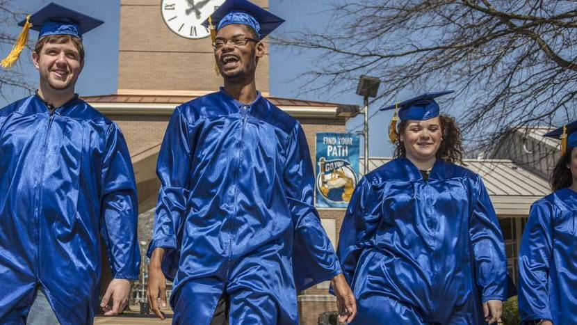 Study shows KCTCS graduates earn $9,100 more per year than those without college credentials