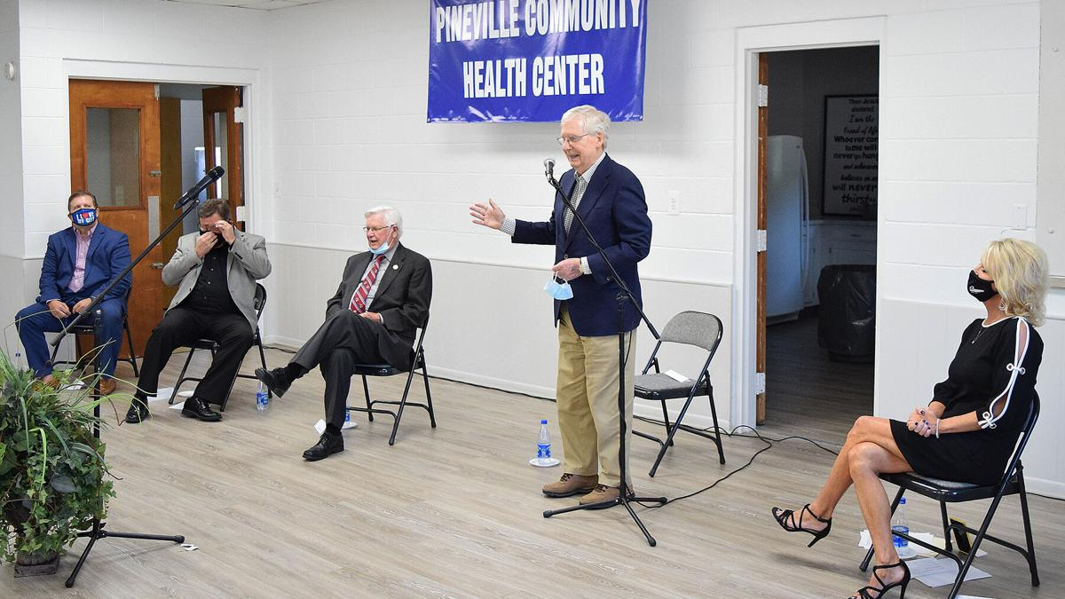 Rogers, McConnell visit Bell Co.
