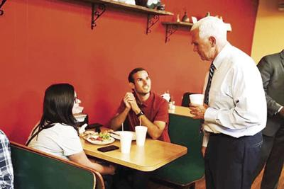 Scott eats lunch with Vice-President