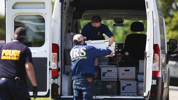 Federal agents searching Bardstown in Crystal Rogers case