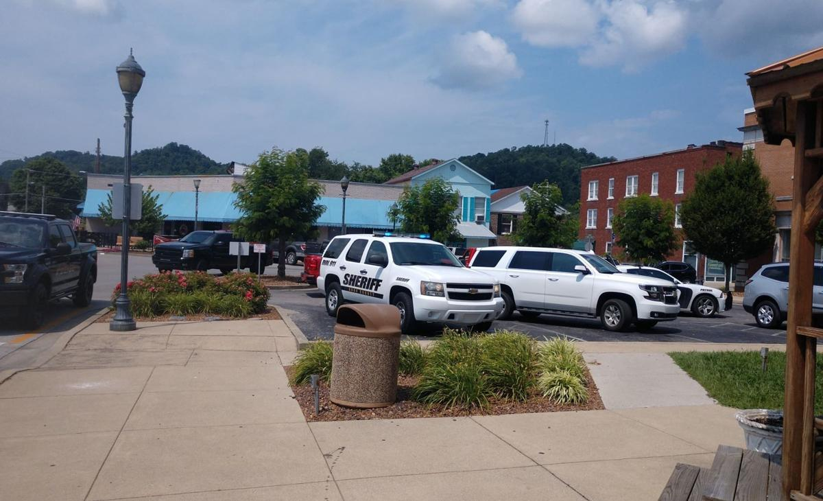 Stabbing at Knox courthouse