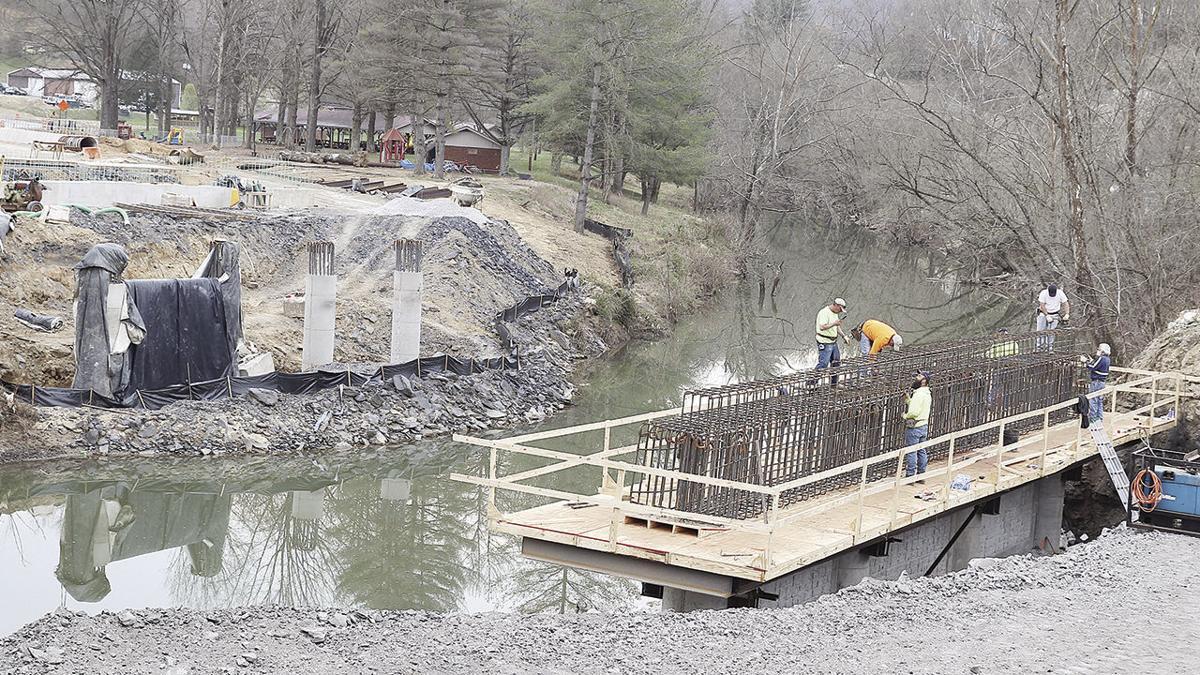 New bridge beams to cause lane closures Monday