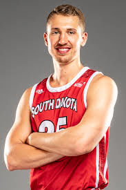 Former Norfolk High standout Hagedorn leads South Dakota to victory over UNO