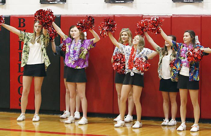 Ainsworth cheerleaders