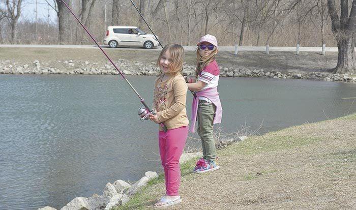 Girls fishing at Ta-Ha-Zouka