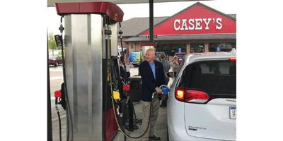Gov. Ricketts filling up with gas
