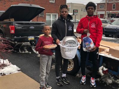 Zaysgiving distribution photos volunteers _ 2019