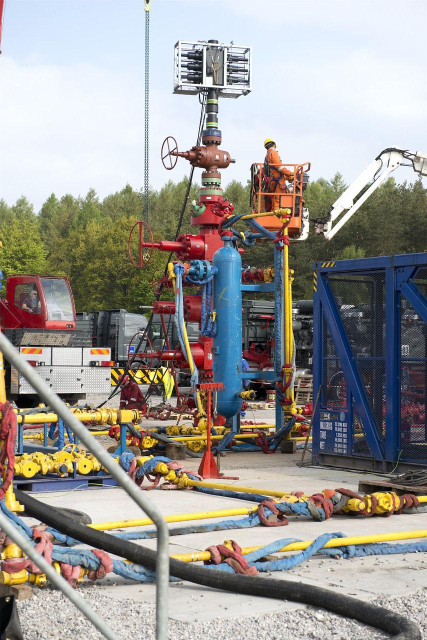 hydraulic-fracturing-863206_1280.jpg