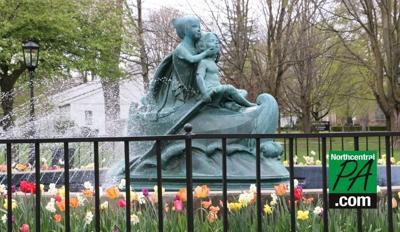 wellsboro wynken blynken and nod statue