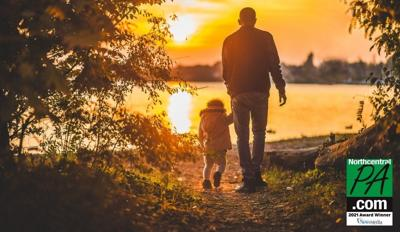 father-daughter-sun