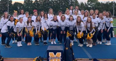 cheerleader group_2019.jpg