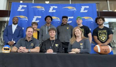 Jenkins signs Letter of Intent to play football
