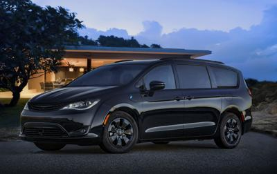 Minivan Cool: 2019 Chrysler Pacifica hybrid video review