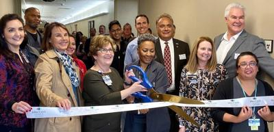 Emory Johns Creek CEO cuts ribbon
