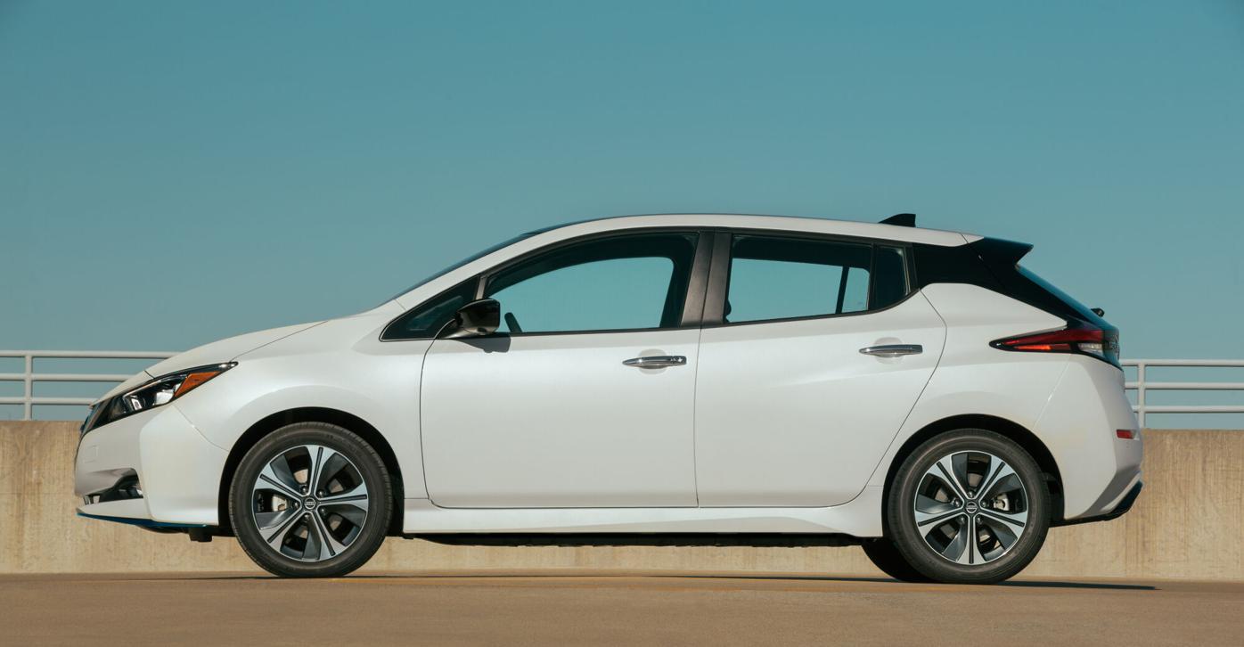2020 Nissan Nissan LEAF SV Plus-3-source.jpg