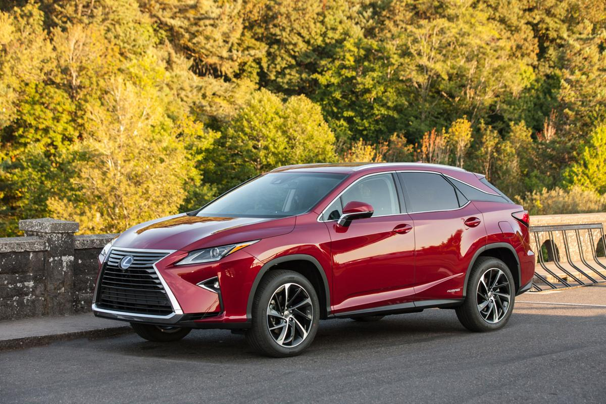 2019_Lexus_RX_450h_001_A1B8149E0E28686EE2E1C29C0A61A74F91F25571.jpg