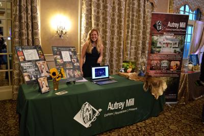 Lauren McDaniel JC wedding expo