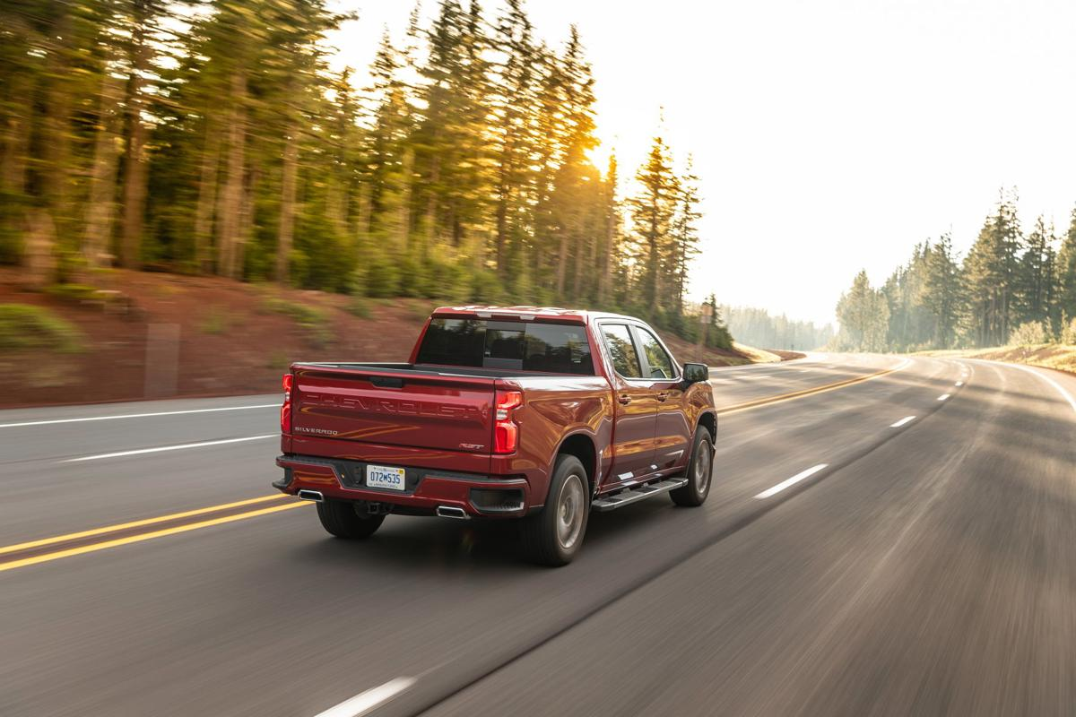 2020-Chevrolet-Silverado-Diesel-090.jpg