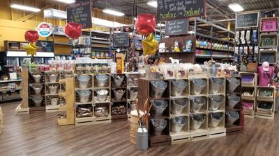 Hollywood Feed New Store Interior McGinnis Ferry Road