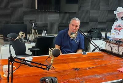Ben Burnett in the Studio with Mary Robichaux