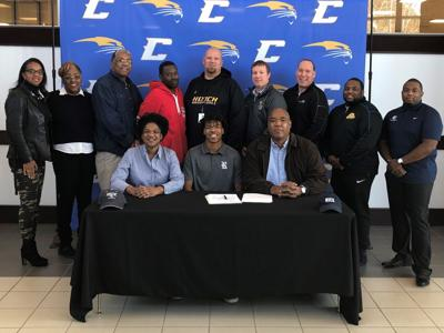 Hooch's Cameron Sheffield signs with Rice University