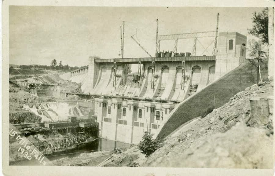 15-mile-falls-1930-cranes.jpg