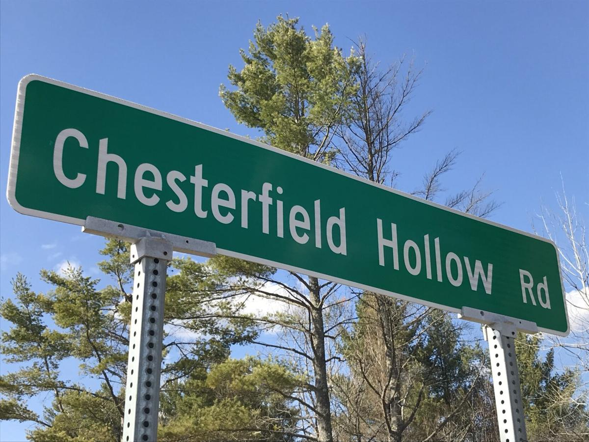 Chesterfield Hollow Road sign.JPG