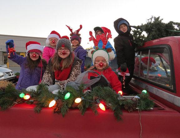 Fort Oglethorpe Christmas Parade 2020 Ringgold, Fort Oglethorpe prepping for annual Christmas parade