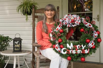 Woman personalizes wreaths to benefit Cancer Navigators