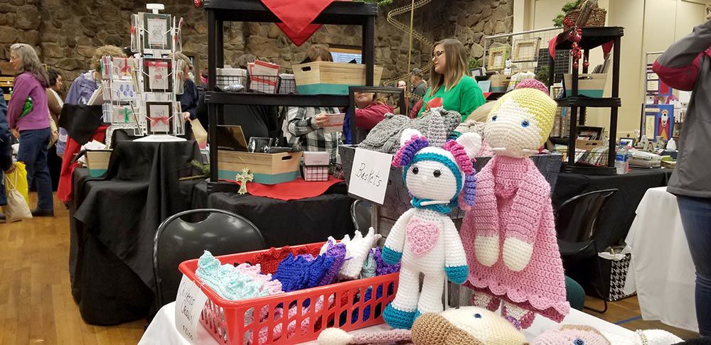 Winter Art Market brings shoppers out on a rainy day