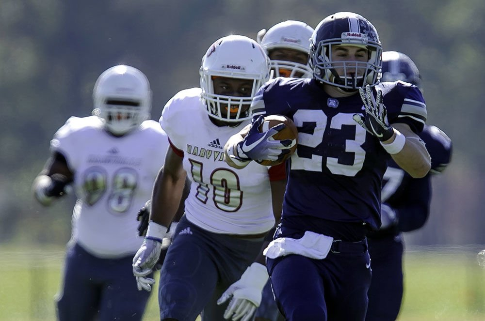 College Football Berry Dominates Maryville To Open Division Iii