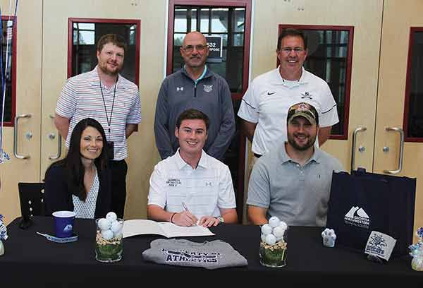 Logan Curtis signs with GNTC