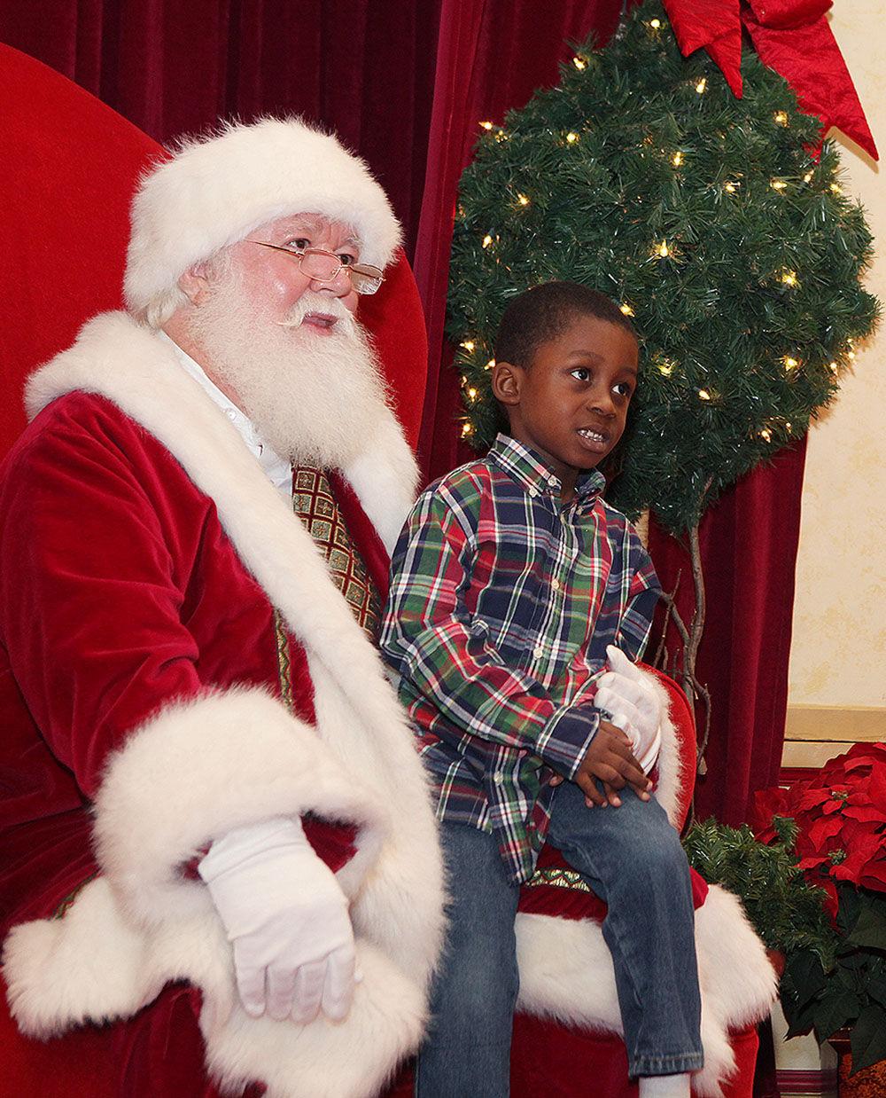 Christmas Tree Shop Binghamton Ny: Santa Arrives At Mount Berry Square Mall